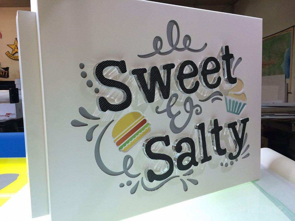 Двустранна светеща табела Sweet & Salty за Варна