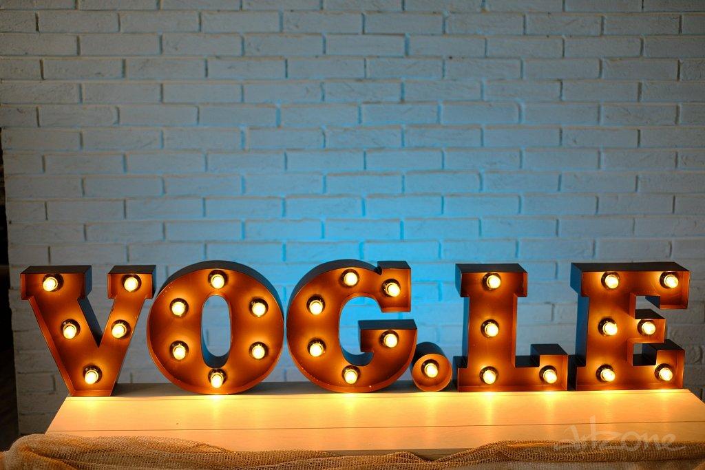 VOGLE светещи букви