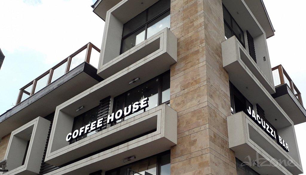 Светещи букви COFFEE HOUSE & JACUZZI BAR в гр. Банско