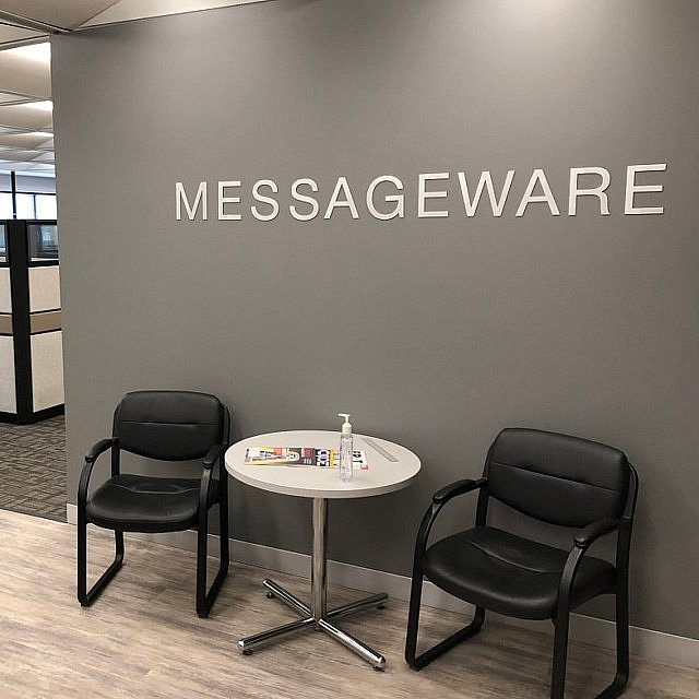 Метални букви MASSAGEWARE