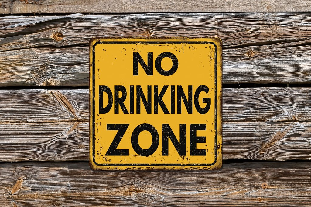 NO DRINKING ZONE sign