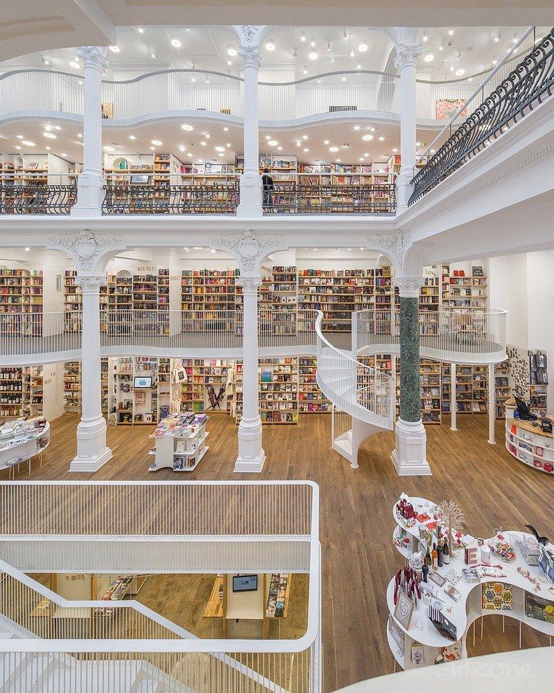книжарница  Carturesti Carusel