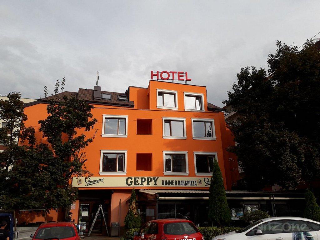 Светещи букви HOTEL за хотел в София