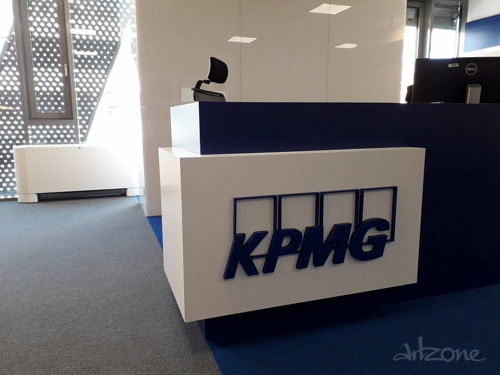 Обемни букви лого KPMG за рецепция