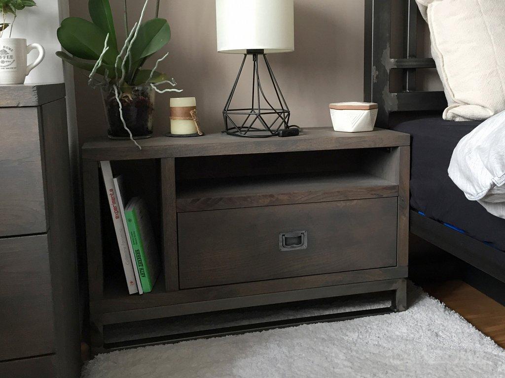 Нощно шкафче в стила на спалня индустриален дизайн