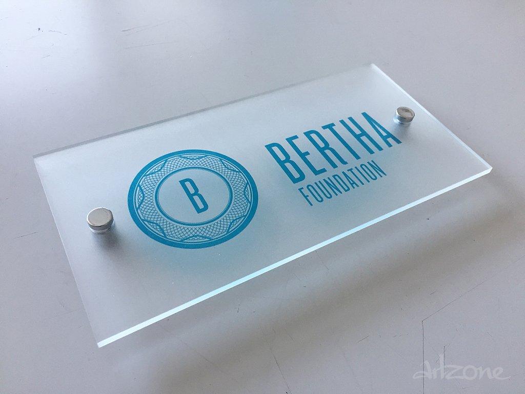Фирмена табела Bertha