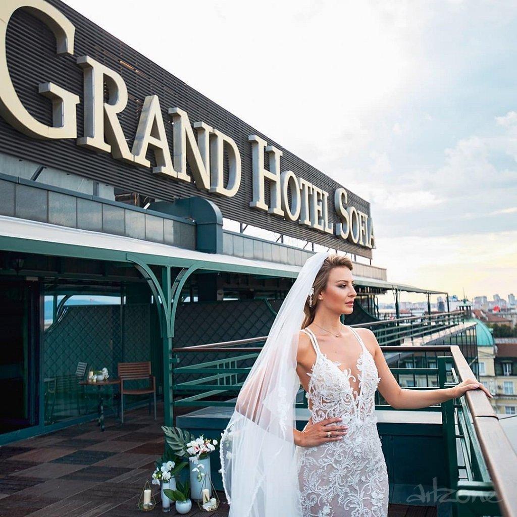 Покривна реклама Гранд Хотел София